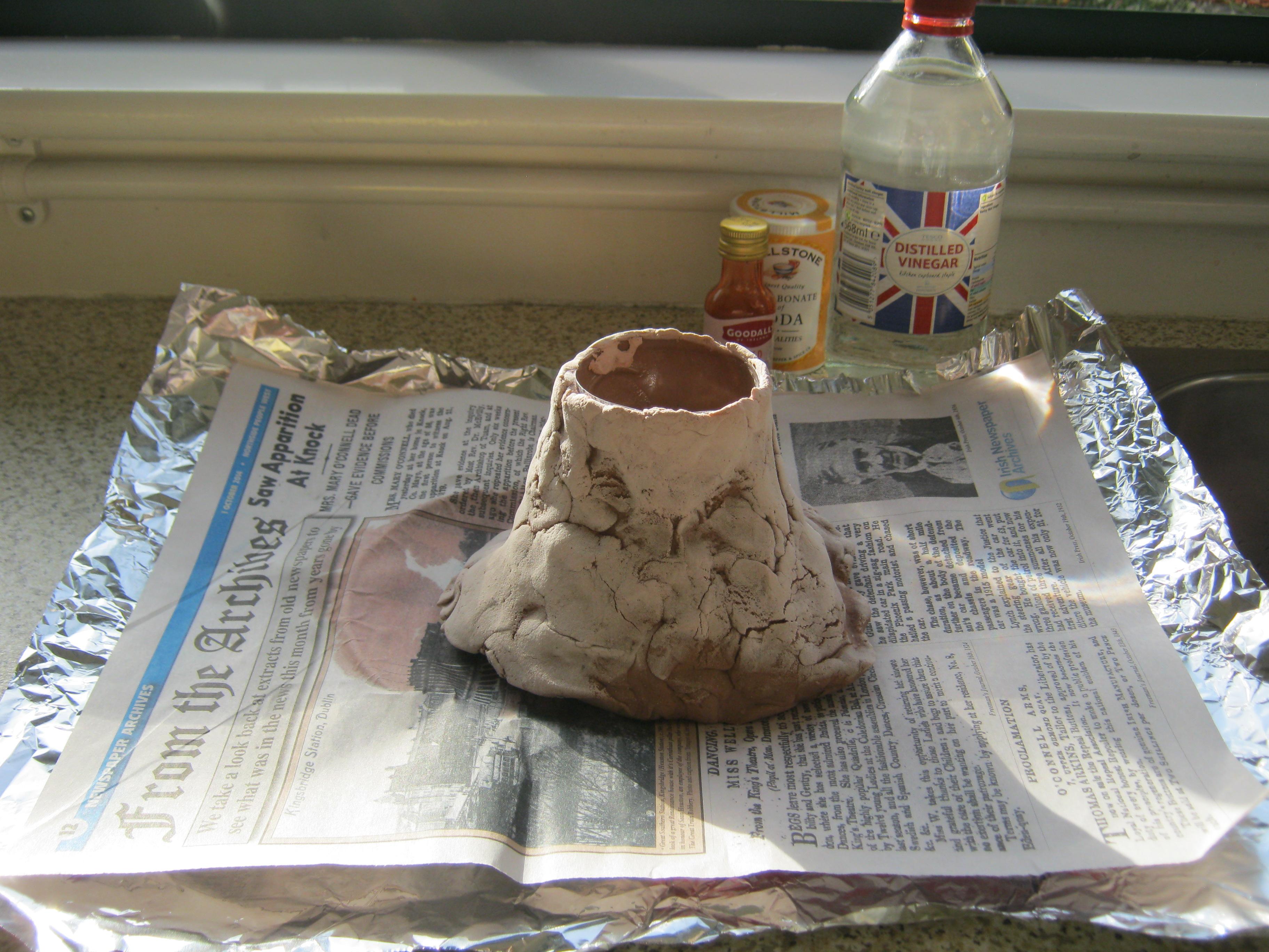 volcano experiment st clare 39 s primary school. Black Bedroom Furniture Sets. Home Design Ideas